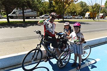 """Başkentli Bisiklet Tutkunlarının Beklediği """" Mavi Yol"""" Açıldı"""