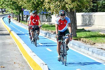 Başkent'te Ata'ya Saygı Bisiklet Turu